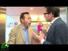 Raffaele Baldassarre aggredisce giornalista al Parlamento Europeo