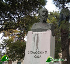 Monumento Gioacchino Toma a Galatina