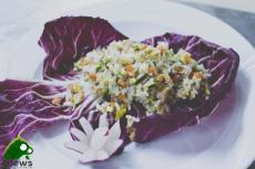 Insalata di riso con tonno e cruditè di verdure